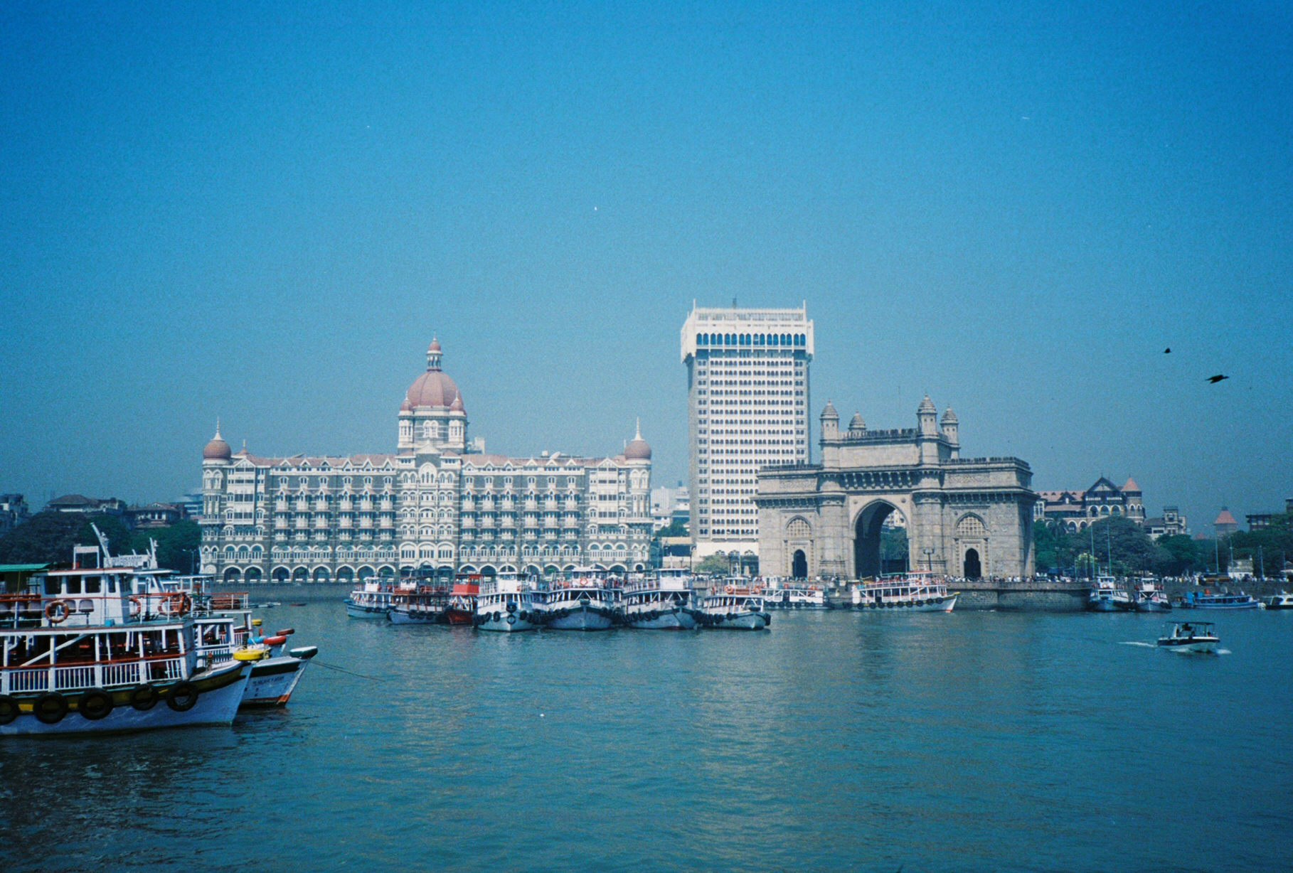 gates_of_india_mumbai_march_2013