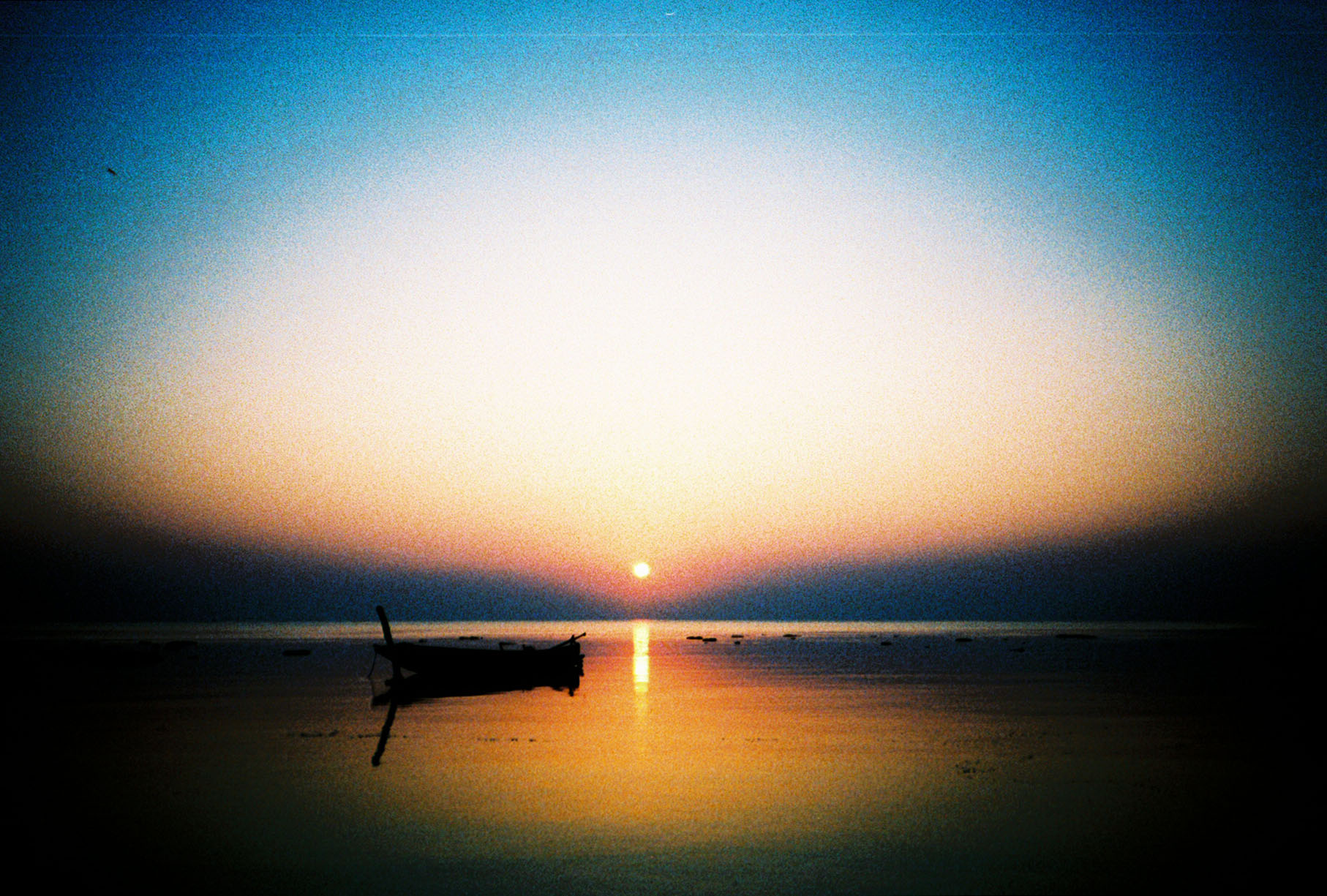 golden_havelock_island_boat_sunrise_india_march_2013